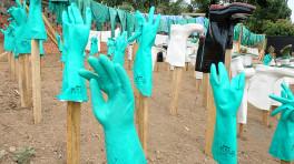 Ebola - laarzen en handschoenen