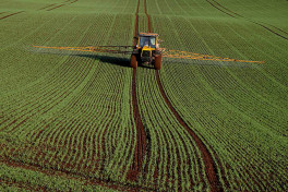 Crop_spraying_at_Rulesmains_Farm,_Duns_-_geograph.org.uk_-_1565950